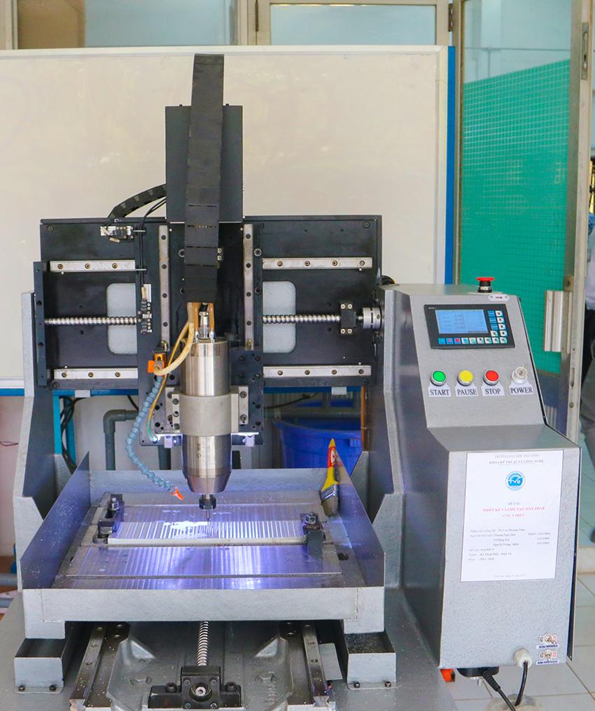 ĐH Trà Vinh chế tạo máy phay CNC 3 trục